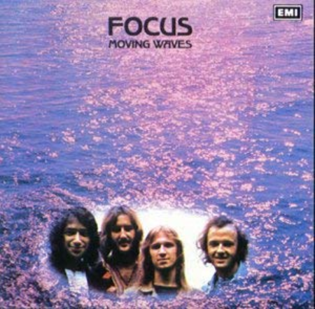 Focus 「Moving Waves」